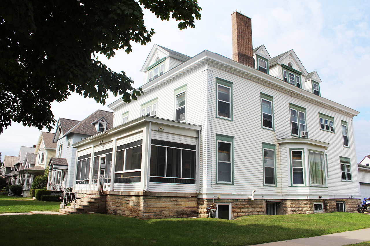 Student House Winona