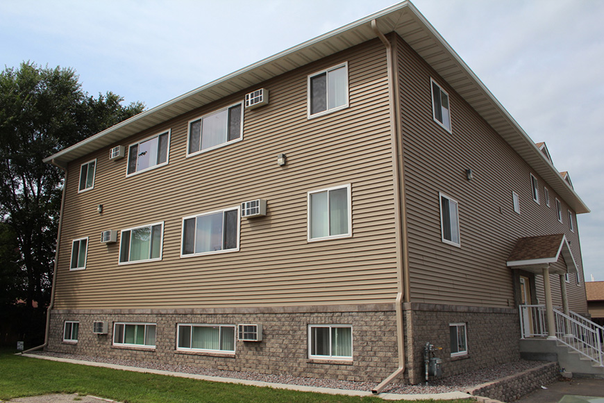 Modern 1 bed apartment goodview 5151 west 6th st winona mn for 1 bedroom apartments winona mn